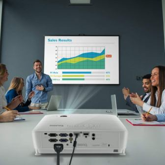 TOP 15 BEST PROJECTORS UNDER 500 IN 2019 - COMPLETE GUIDE